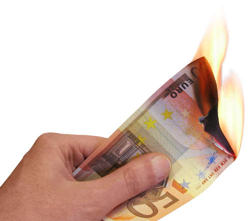 Dinero en llamas